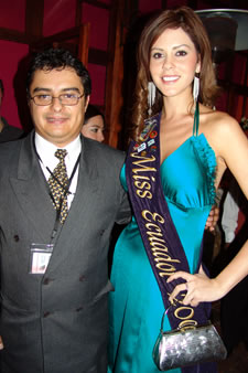 Candidatas a Miss Ecuador 2006 .- Ximena Zamora, Miss Ecuador 2005 junto al Ing. Enrique Rodas T. Gerente General de Cuencanos.com