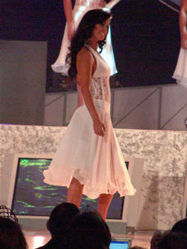 Eleccion Miss Ecuador 2006 .- Una de la más aclamada de la noche, Rebeca Flores de la Provincia del Azuay, 22 Años