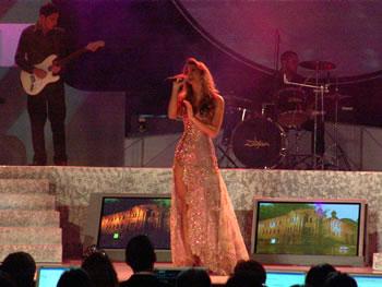 Eleccion Miss Ecuador 2006 .- Alrededor de 2000 personas que acudieron al espectáculo se deleitaron con la voz de Marielisa Márquez, primera finalista de Miss Ecuador 2005