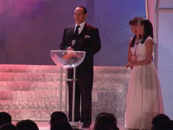 Eleccion Miss Ecuador 2006 .- Cristian del Alcázar presentador del certamen, momentos previos a la primera ronda de preguntas