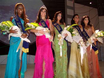 Eleccion Miss Ecuador 2006 .- Entre las finalistas estuvieron: Karla Caicedo (cuarta), Mirely Barzola (tercera) y Denisse Rodríguez segunda finalista.  Rebeca Flores de 22 años fue primera finalista y Katty López, guayaquileña de 22 años, Miss Ecuador 2006