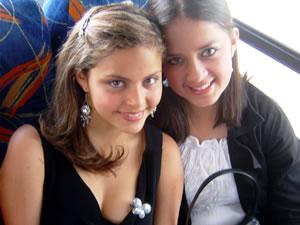 Candidatas a Morlaquita 2006 .- Maria Augusta Cordero y Diana Cárdenas Jara, candidatas a Morlaquita 2006, representando al Colegio  Sagrados Corazones y Santa Mariana de Jesus respectivamente