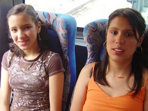 Candidatas a Morlaquita 2006 .- Diana Ambrosi y Elizabeth López, candidatas a Morlaquita 2006, representando al Colegio Rosa de Jesus Cordero y Espiritu de Sabiduria respectivamente