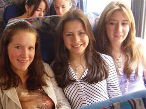 Candidatas a Morlaquita 2006 .- Zoila Barzallo, Valeria Patiño y Mónica Ochoa,  candidata a Morlaquita 2006, representando al Colegio Garaicoa, Sagrados Corazones y Espititu de Sabiduria respectivamente
