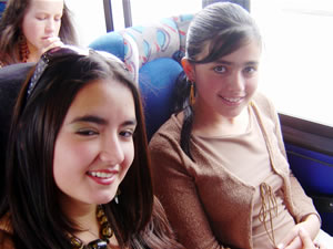 Candidatas a Morlaquita 2006 .- Adriana Ávila y María Belén Jaramillo, candidatas a Morlaquita 2006, representando al Colegio Maria Auxiliadora y Latinoamericano respectivamente