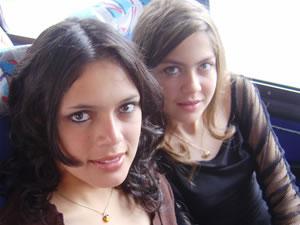 Candidatas a Morlaquita 2006 .- Karla Castro y Karen Piedra, candidatas a Morlaquita 2006, representando al Colegio Herlinda Toral y Sagrados Corazones respectivamente