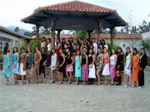Candidatas a Morlaquita 2006 .- La Candidatas a Morlaquita 2006 hicieron un recorrido hacia los Jardines de San Joaquin en donde hicieron algunas seciones de fotos