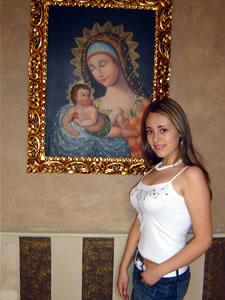 Candidatas a Morlaquita 2006 .- Christina Fernanda Jaen Barahona, candidata a Morlaquita 2006, en la secion de fotos en los Jardines de San Joaquin
