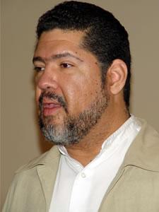 Tony Meléndez en Cuenca .-