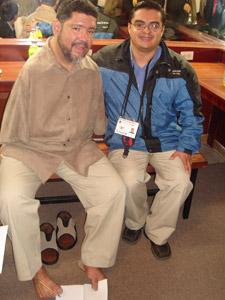 Tony Meléndez en Cuenca .- Tony Meléndez junto a Enrique Rodas, Gerente General de Cuencanos.com
