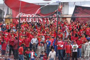 Cronica Roja .- Alentando