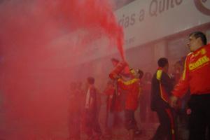 Cronica Roja .- El Cuy Votando El Rojo