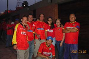 Cronica Roja .- En Camino Al Estadio Nacional De Perú