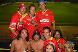 Cronica Roja .- En El Estadio Nacional De Lima