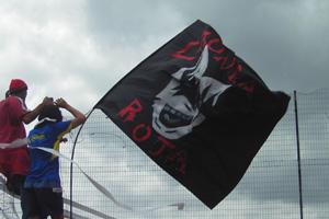 Cronica Roja .- La Bandera En La Maya