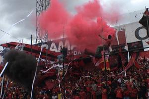 Cronica Roja .- Rojo Y Negro De Mi Corazón