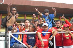 Cronica Roja .- Saliendo Del Guayas