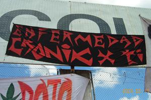 Trapos Cronica Roja .- Enfermedad