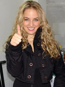 Gabriela Villalba en Cuenca .- La carismática Gabriela Villalba nació en Quito el 20 de septiembre de 1984. Incursionó en el mundo de la televisión haciendo comerciales desde muy temprana edad. Su salto a la fama se dio al ser escogida para participar en el reality show Popstars