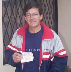 Ganador de una Entrada a un Partido del Deportivo .- Edgar Montero ganador del concurso por el sorteo de 3 entradas para el partido entre el Deportivo Cuenca contra Deportivo Quito