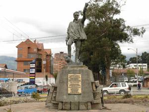 Monumento a Simón Bolívar .-