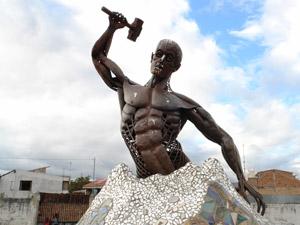 Monumento a Vulcano Dios de Fuego .-