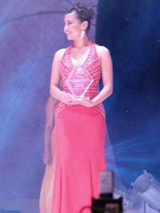 Elección de la Reina del Azuay 2006 .- Andrea Berzosa de Sevilla de Oro, fue electa Señorita Valores-UNISON y Nuestra Belleza Rostro.