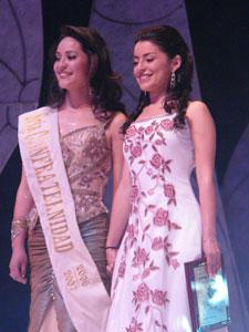 Elección de la Reina del Azuay 2006 .- La tensión era mucha, Fernanda Rodas y Adriana Rivera, una de ellas sería la Reina del Azuay 2006