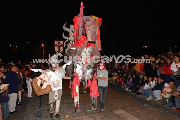 Los Inocentes 2007 .- Como es costumbre en Cuenca, el 6 de Enero se festeja las fiestas de 'Los Inocentes' o también llamada 'Comparsas', en donde los cuencanos sacan su lado cómico y desfilan por la Av. Solano disfrazados de personajes de diferente índole, en especial de la Política