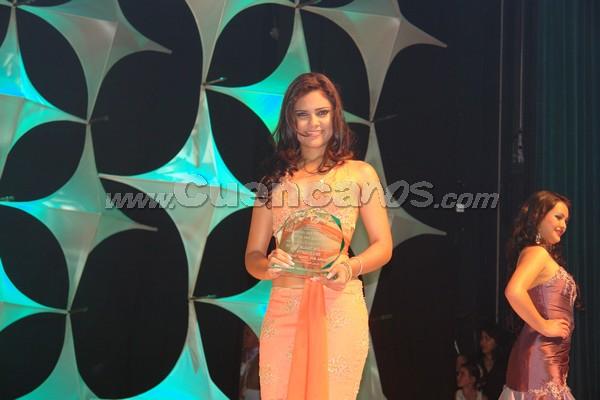 Elección Reina del Azuay 2007 .- Anngi Barzallo representante del cantón Ponce Enríquez fue también premiada por el mejor traje típico del evento
