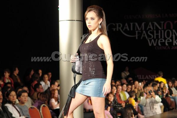 Fashion Week 2007 .- En el Centro de Convenciones de Mall del Rio se llevó a cabo el Fashion Week 2007, con la participación de algunos disenadores nacionales e internacionales
