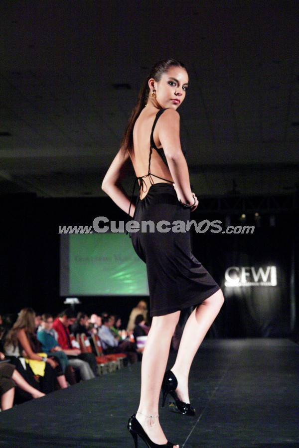 Fashion Week 2008 .- En el centro de Convenciones del Mall del Río se realizo el Fashion Week 2008, donde todo el público presente disfruto de los exclusivos diseños de Joyería Vásquez