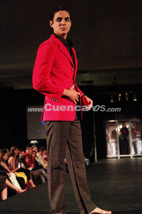Fashion Week 2008 .- En el centro de Convenciones del Mall del Río se realizo el Fashion Week 2008, donde todo el público presente disfruto de los exclusivos diseños de Diego Peña.