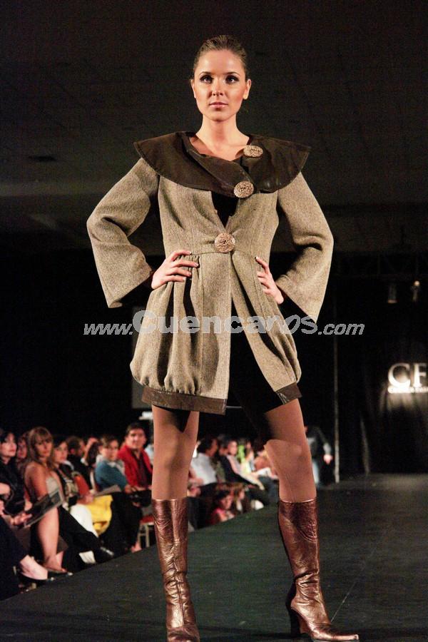 Fashion Week 2008 .- En el centro de Convenciones del Mall del Río se realizo el Fashion Week 2008, donde todo el público presente disfruto de los exclusivos diseños de Alexandra Donoso.
