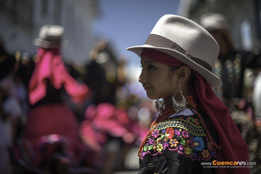 Pase del Niño 2013 .- Como es costumbre cada año cientos de Cuencanos disfrazan a sus hijos de Angeles, Pastores, Maria Jose y por supuesto a Jesus recordando el nacimiento de nuestro señor Jesucristo. La Calle Bolivar es escenario para que muchas personas admiren esta tradición Cuencana que esperamos que nunca deje de existir.