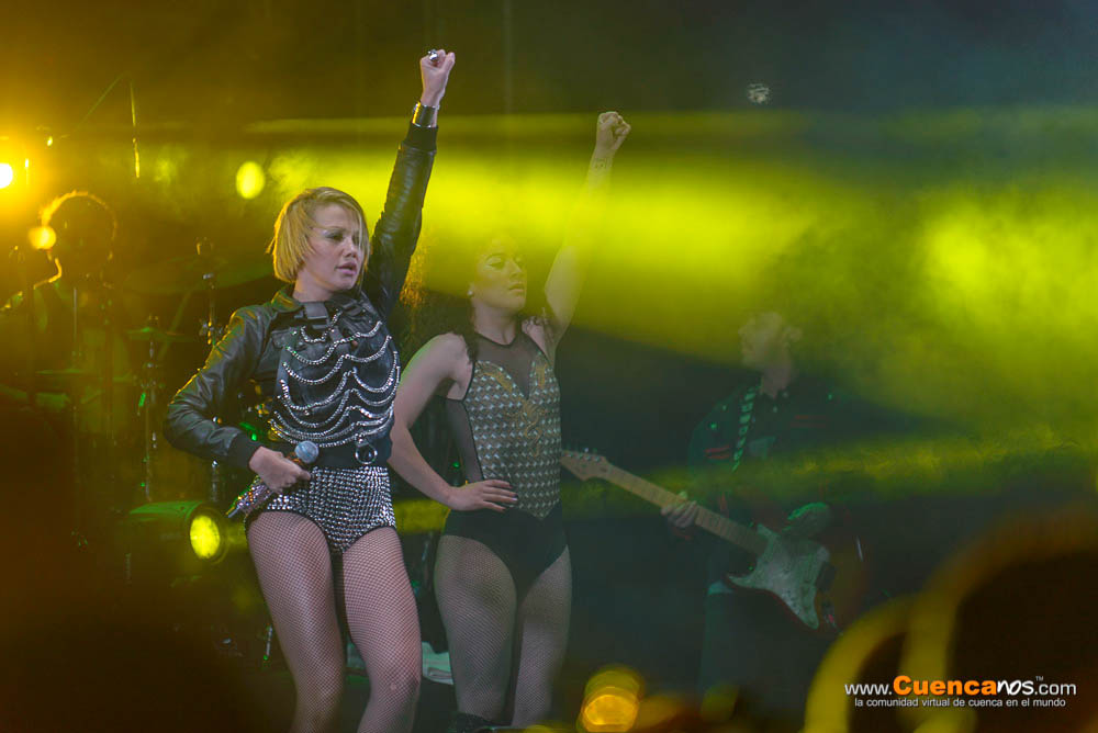 Fanny Lu .- Fanny Lucía Martínez Buenaventura nace en Cali, Colombia el 8 de febrero de 1973, más conocida como Fanny Lu, es una actriz, cantante y modelo colombiana, ha participado como juez en diferentes reality shows como Pequeños gigantes, La Voz Colombia y La Voz Kids. Además, estuvo en el doblaje de