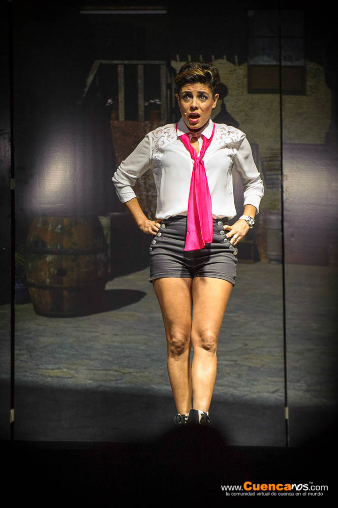 5Mediantes II Edicion<br>Monserrath Astudillo .- Monserrath Astudillo Actriz cuencana con veinte años de experiencia en el arte de la actuación. Su amor por el teatro la llevo a Quito a estudiar en la Escuela de Teatro Malayerba y en otras escuelas de relevancia teatral . Reconocida por sus grandes obras éxito Sexo en Paz 1 y 2 y Les juro que es mi primera vez