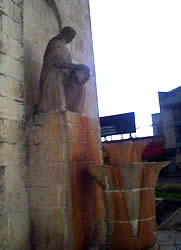 Monumento a la Chola Cuencana