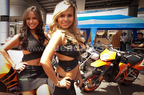 Motos y Modelos en Plaza Bocatti