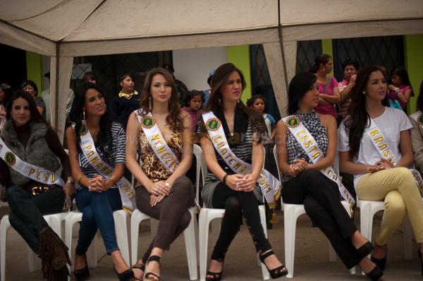 Visita de las Candidatas a Reina Mundial del Banano 2011