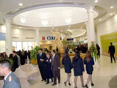 Inauguración Piazza del Río