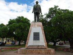 Monumento a Enrique Arizaga Toral