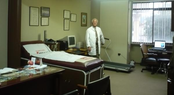 Marco   Barzallo Barzallo  Cardiólogo Clínico