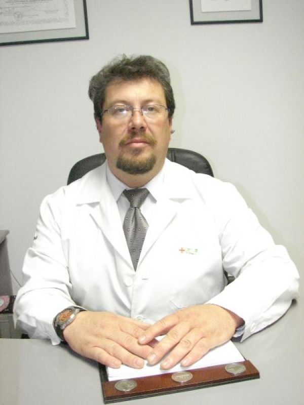 Dr. Freddy  Cárdenas Heredia