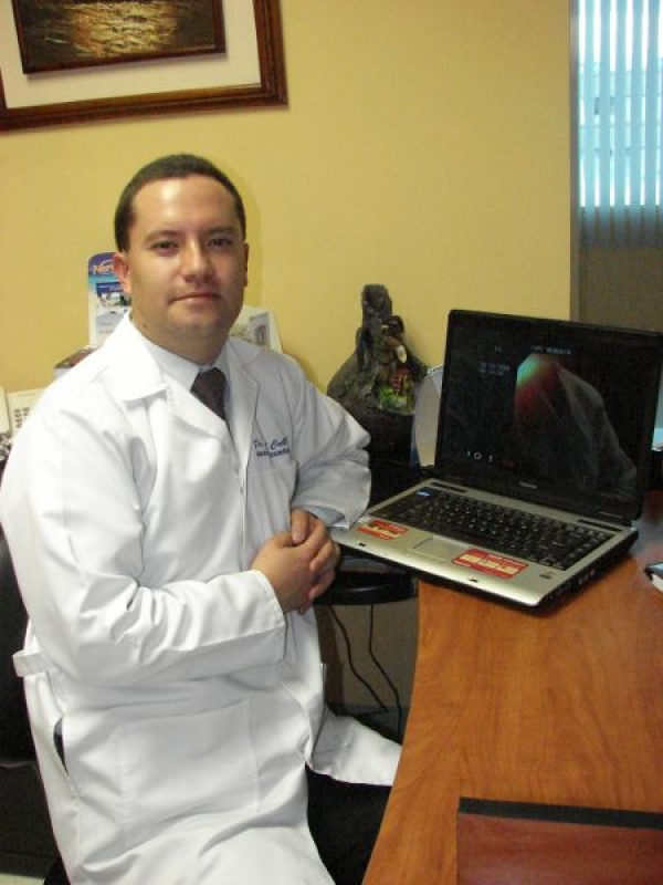 Dr. Paúl   Coello Granda  Gastroenterólogo