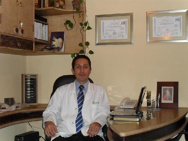 Dr. Marco  Mendieta Orellana