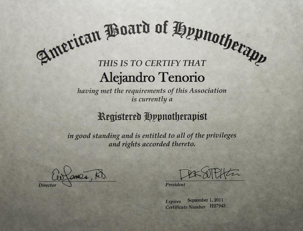 Dr.  Alejandro    Tenorio Koppel  Broncólogo