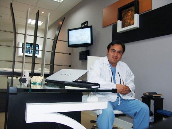 Dr. Carlos Fernando Arias Pesantez