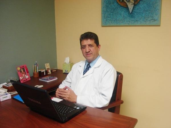 Dr. Fernando  Vanegas Crespo