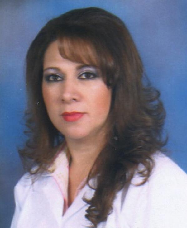 Dra. Miriam   Alban Bermeo    Ginecóloga y Obstetra